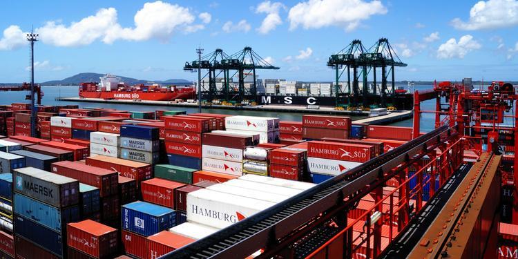 Empresa transportou 310 mil contêineres ano passado