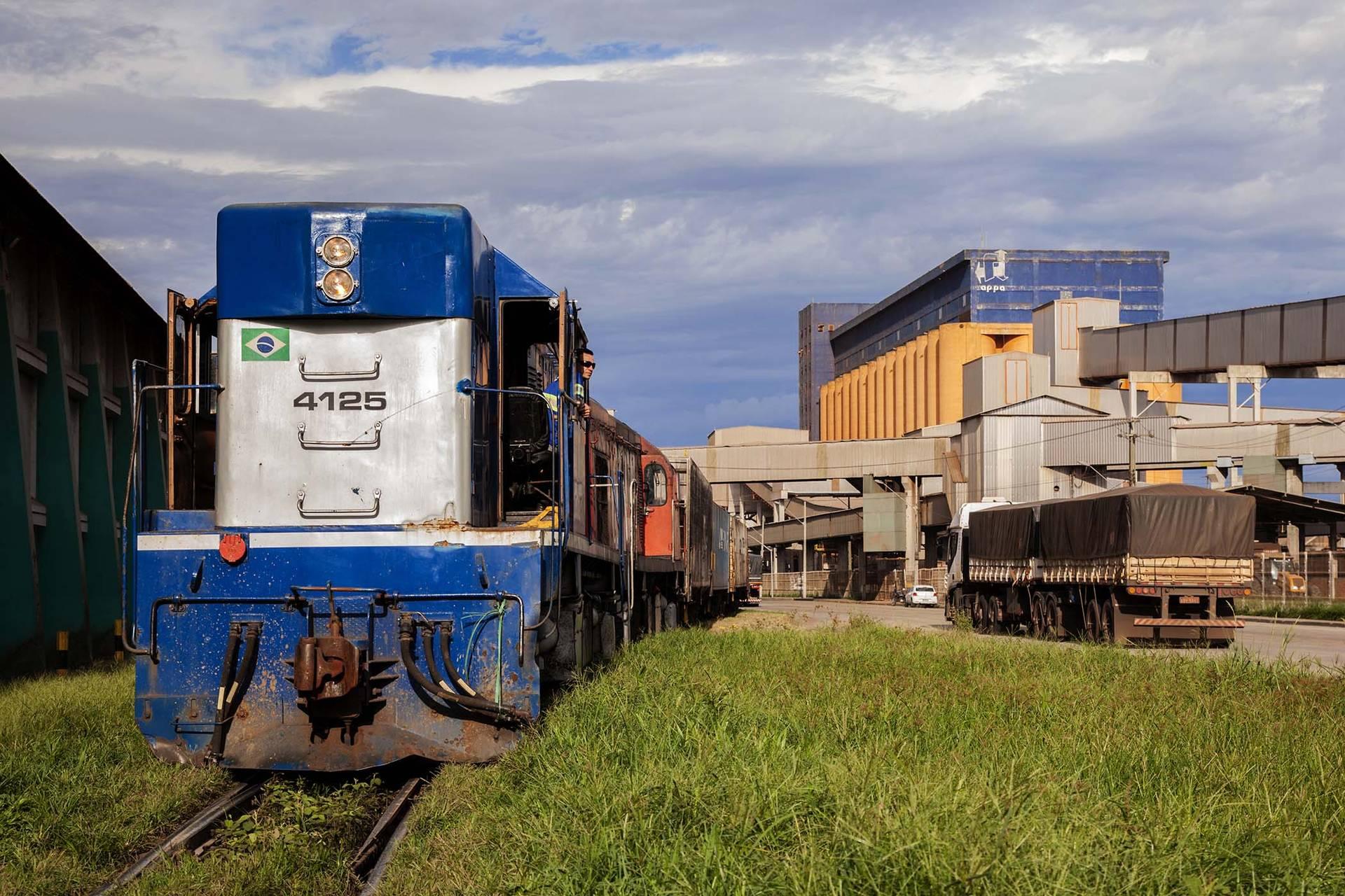 Transporte por trens subiu 15% em quatros meses / Foto: Claudio Neves-Portos do Paraná