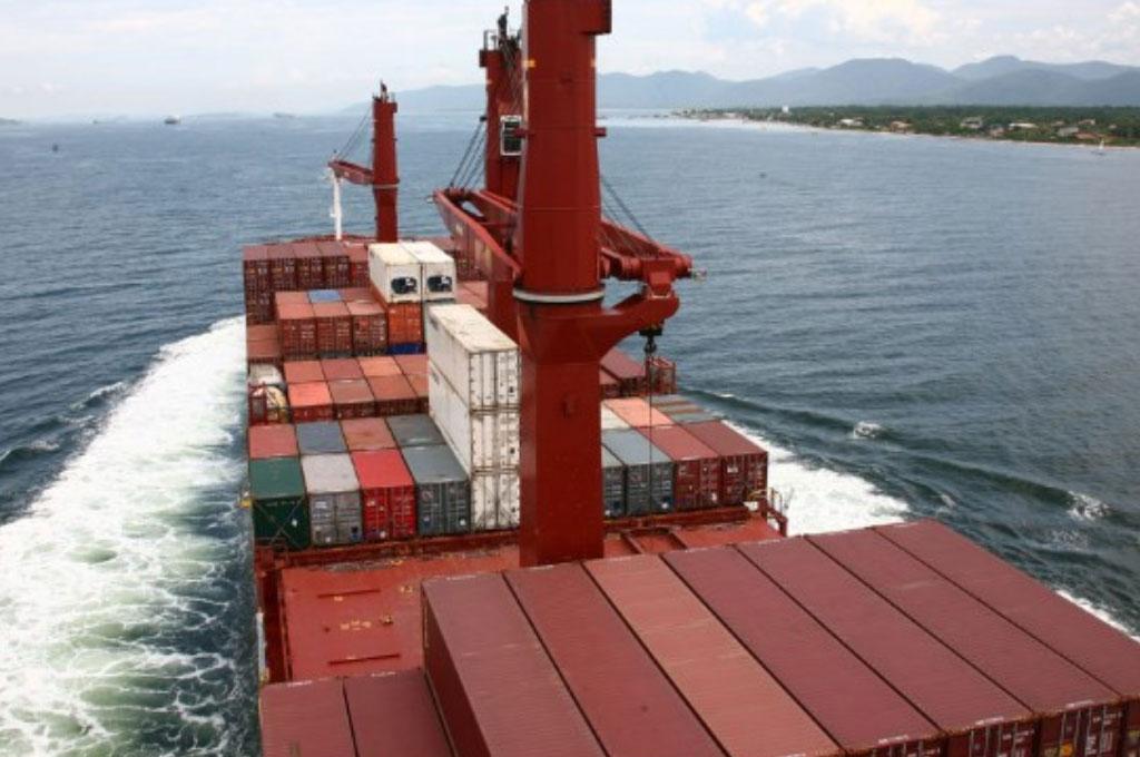 Governo quer ampliar número de navios estrangeiros no transporte de carga pela costa brasileira
