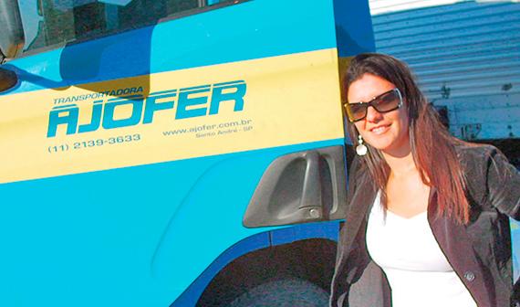 Empresárias do transporte rodoviário de cargas reforça a importância da mulher do setor.